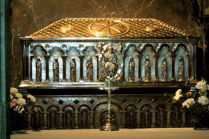 Arca de plata que contiene los restos del Apóstol Santiago.