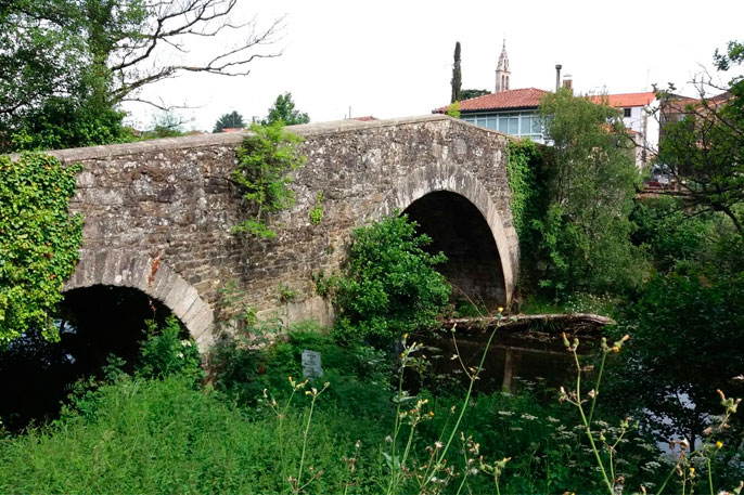 Puente Medieval de Furelos, situado en la tercera etapa del Camino desde Sarria