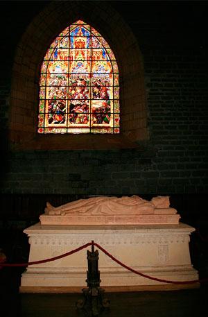 Sepulcro de Sancho II El Fuerte en Roncesvalles